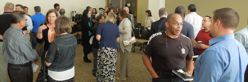 Members and guests networking at the September 2015 Salem Capitol Connections meeting.